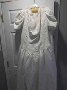 Sweetheart Gowns Wedding Dress   Size 44