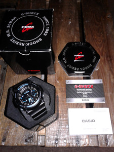 Unisex G-Shock watch w/ case, box & manuals. 10/10 condition.