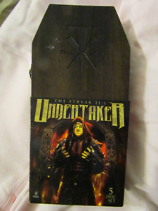WWE 2015: Undertaker: The Streak R.I.P. Edition 21-1