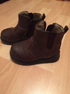 Toddler size 6 boots.