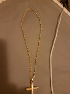10k gold chain with crss pendent