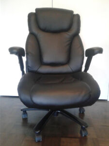 Ergonomic Office Chair --- Very comfortable and very new ---