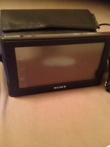 "Sony Vaio NAV-U portable GPS 4.8"" touch screen/ built in battery"