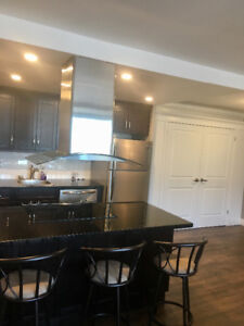 Updated condo on Lake Ont. May-Sept. Close to SLC & Queen's