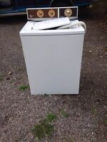 Free washer and dryer at 2791 Minotti
