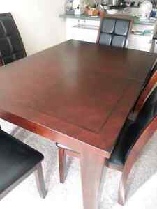 Dinning table with six chairs Kitchener / Waterloo Kitchener Area image 2