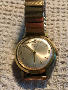 Elgin 17 Jewels Swiss Wrist Watch