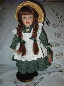 Anne of Green Gables porcelain doll / Anne aux pignons verts