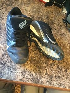 Nike Landshark youth cleats size 4Y