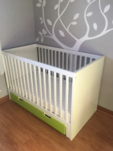 Ikea crib, change table and toy box (mattresses included)