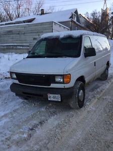 2003 Ford E-250 Minivan, Van
