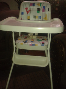 BABY HIGH CHAIR (CLEAN AND IN PERFECT COND) CALL #226 344 5107