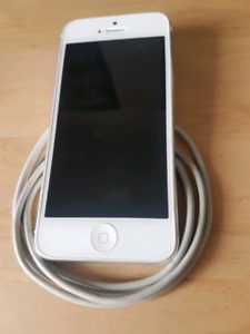 IPhone 5 unlocked white