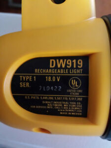DeWalt DW919 18-Volt Flexible Floodlight