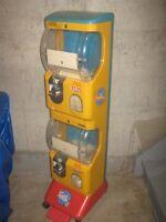 2 VENDING MACHINE , Jr Gacha machine, coin-operated