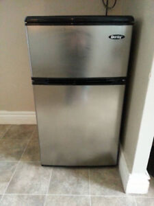 Danby Mini Fridge Stainless Steal Top Freezer (3.1 Cu.Ft)