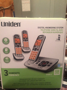 Uniden 3 phone set with answering machine
