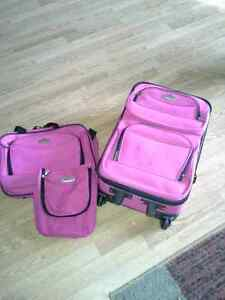 Small luggage set