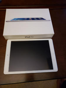 iPad Air First Gen. 64 GB, wifi, Cell, silver. Close to Mint