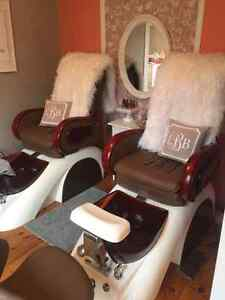 Two 1 year old pedicure chairs in perfect condition Sarnia Sarnia Area image 1