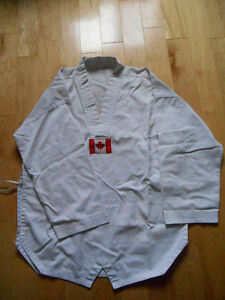 Martial Art One Taekwando Uniform Size M