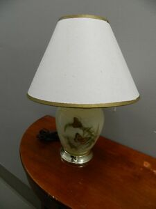 LOTS OF TABLE LAMPS