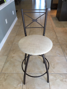 4 bar stools in excellent condition $50 EACH