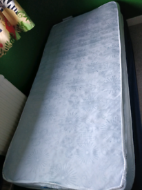 """*FREE* 7"""" mattress perfect for trundle bed"""