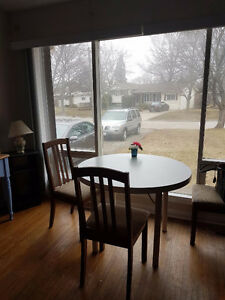 STUDENT RENTAL - ALL INCLUSIVE - NEAR BrockU - 425$ - 1 Room