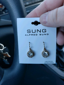 Brand new SUNG earrings