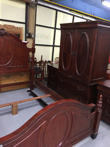 THE WISE SHOP  ALL FURNITURE ON SALE 75 -80% LESS THAN NEW PRICE