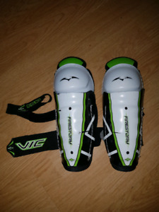 Youth shin pads