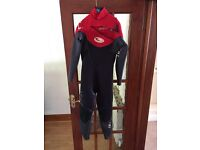 Tiki zepha adult wet suit
