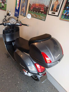 Like new 1 owner Vespa