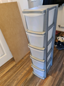 Plastic drawer storage