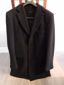 Manteau chic en laine noir pour homme. Taille Petit