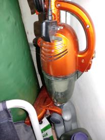 Upright vacuum free