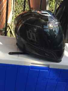casque de moto icon carbon