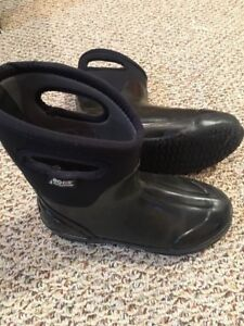 Black Waterproof BOGS winter women boots 8 exc. cond.