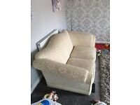 Cream 2 seater Chesterfield Sofa