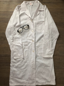 ** Brand New - Lab Coat & Safety Glasses/Goggles **