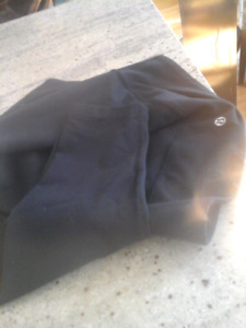 Black Lululemon Athletica pants size 12 & Lululemon top size Med