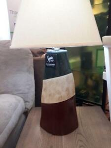 *** USED *** ASHLEY ELITA LAMP (2/CN)   S/N:51223750   #STORE507