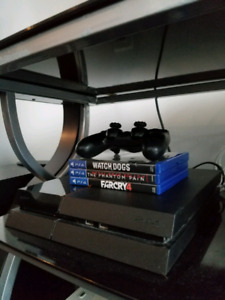 HDD Upgraded PS4 + 5 GAMES + ALL CABLES