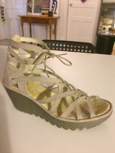 FLY sandals 8.5