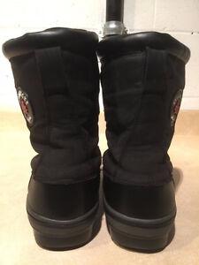 Women's Avalanche by Cougar Winter Boots Size 7 London Ontario image 3