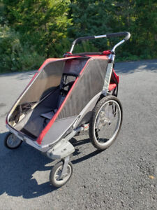 Great condition Chariot double stroller with infant attachment