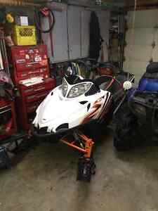2011 m8 snow pro162 with cat care warranty till end of 2016