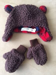 Winter hat and gloves  (12-24 months)