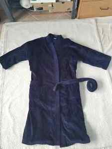 Alexander Julian Bathrobe One Size Fits All Oakville / Halton Region Toronto (GTA) image 2